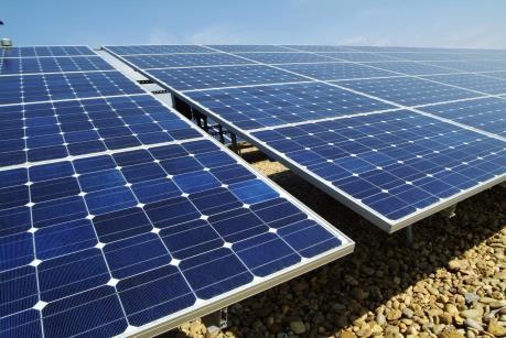 Ninh Thuận trao chứng nhận đầu tư cho 9 dự án điện mặt trời. Ảnh minh họa: TTXVN