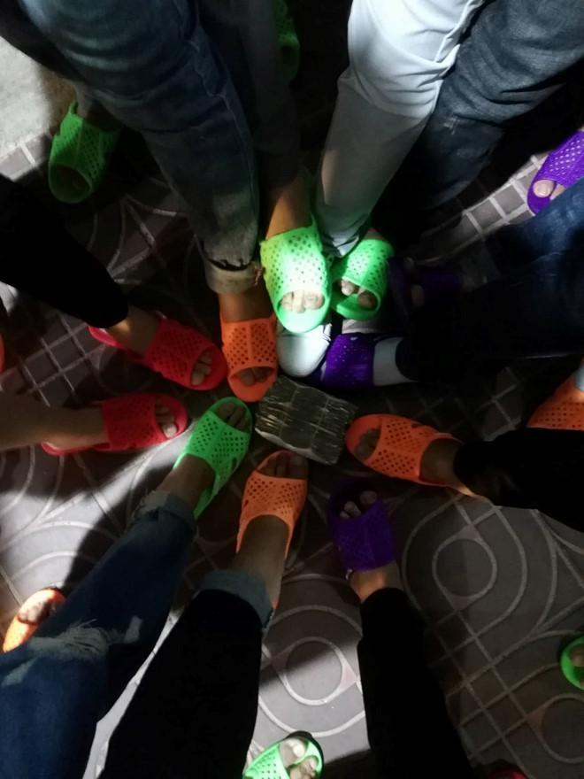 Sự hài hước của nhóm bạn trẻ ở Bình Thuận khiến dân mạng bật cười.
