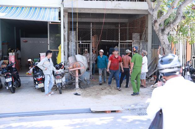 Hiện ngôi nhà nơi xảy ra vụ việc đã bị tạm dừng thi công.