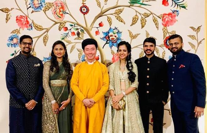 Đại sứ Phạm Sanh Châu và hình ảnh đi dự tiệc cưới