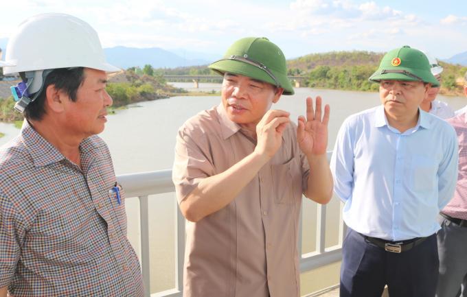 Bộ trưởng Bộ NN-PTNT Nguyễn Xuân Cường cho biết, hệ thống thủy lợi Tân Mỹ khi hoàn thành sẽ giúp tỉnh Ninh Thuận khắc phục tình trạng hạn hán. Ảnh: Kim Sơ.