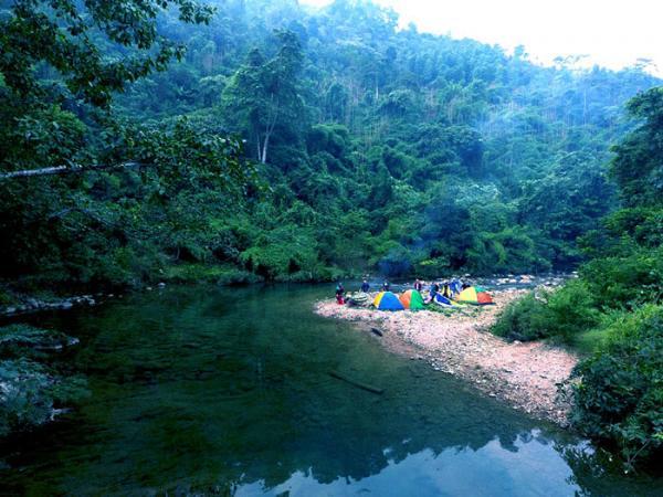 Cắm trại trong vườn Quốc gia Xuân Sơn
