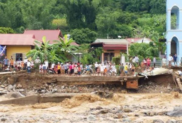 Nhiều khu vực ở huyện Mường La (Sơn La) bị sạt lở nghiêm trong lũ lớn