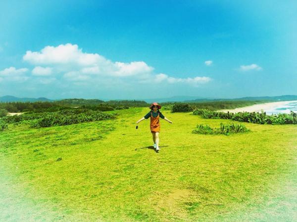 Bãi Xép được nhiều người biết đến qua bộ phim Tôi thấy hoa vàng trên cỏ xanh. (Nguồn: ___mina___)