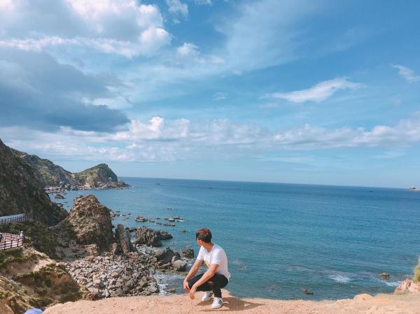Đến Eo Gió để tận hưởng chút hương vị mặn nồng của biển cả. (Nguồn: thi.trong96)