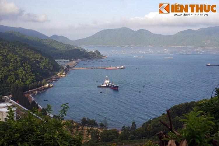 Nhằm khai thác lợi thế này, cảng Vũng Rô và khu kinh tế Nam Phú Yên đã được thành lập.