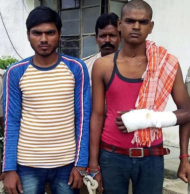 Sandip Saw (trái) và em trai của hắn Santosh Saw.