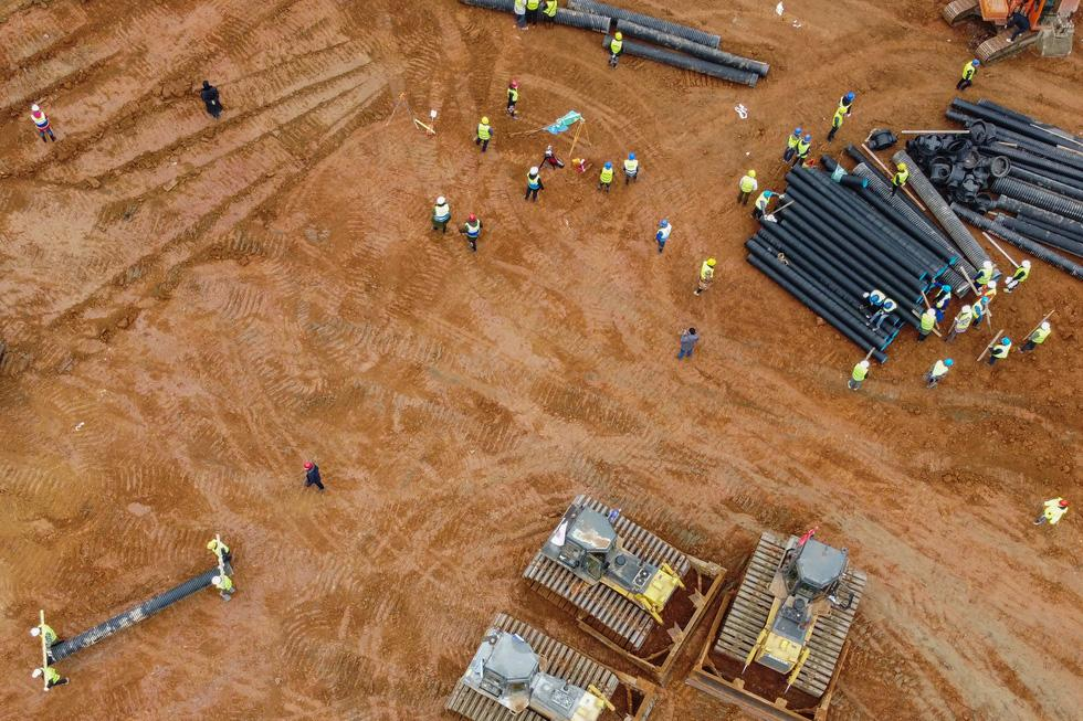 Bệnh viện mới ở Vũ Hán được xây dựng trên một khu đất rộng khoảng 25.000m2. Ảnh chụp ngày 27-1 - Ảnh: AFP