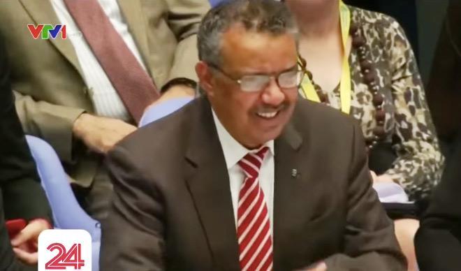 Cả hội trường đã có một tràng cười trước sự hài hước của vị Tổng giám đốc WHO.
