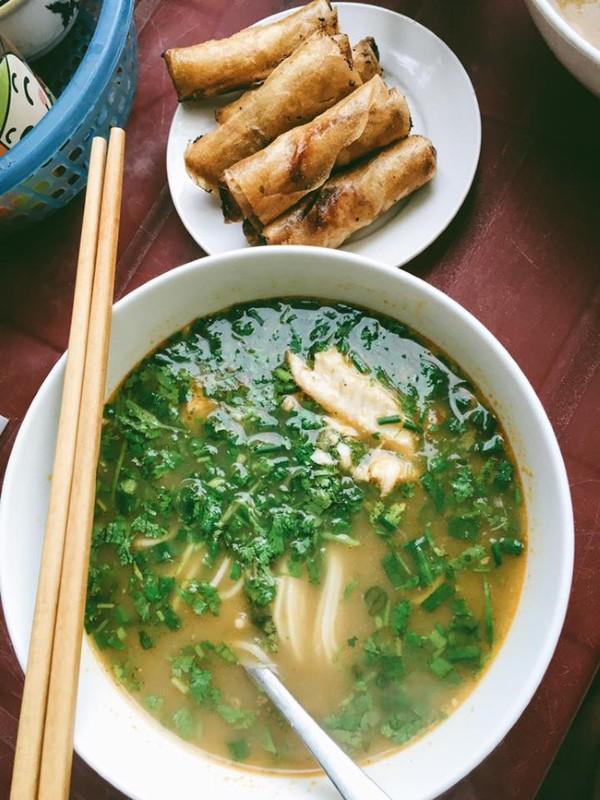Bánh canh cá lóc - Ảnh: Song Bình