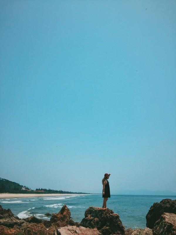 Xanh tươi màu biển ở bãi Đá Nhảy - Ảnh: Song Bình