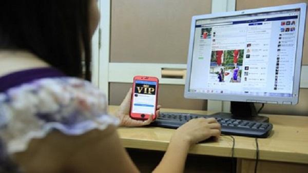 Dự thảo đề xuất mức phạt tiền từ 10 triệu đồng đến 20 triệu đồng đối với hành vi sử dụng thông tin, hình ảnh cá nhân của người khác để tạo tài khoản mạng xã hội. Ảnh: Hồng Vĩnh.