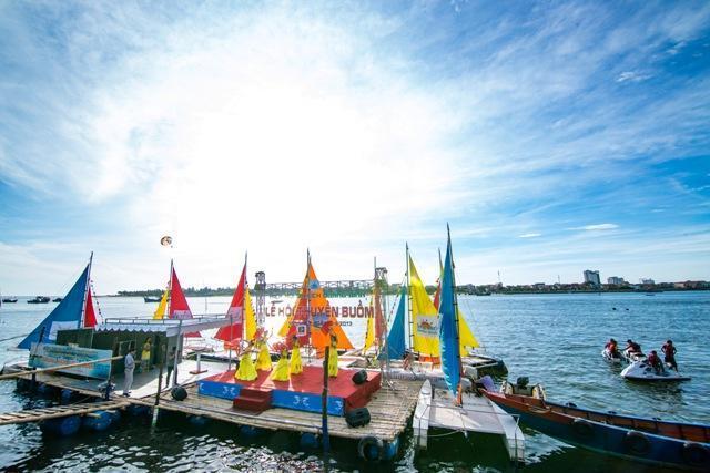 Lễ hội Thuyền buồm Quảng Bình diễn ra trên sông Nhật Lệ từ ngày 16-25/6