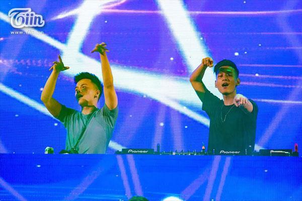 Giới trẻ Quảng Bình đã có một đêm quẩy hết mình cùng những tiết mục âm nhạc điện tử hấp dẫn đến từ hai DJ hàng đầu Việt Nam là Nimbia và Get Looze.