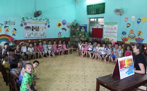Quảng Bình thực hiện miễn học phí đối với giáo dục mầm non cho trẻ em 05 tuổi ở vùng có điều kiện kinh tế - xã hội đặc biệt khó khăn từ ngày 01/01/2018 (ảnh Vĩnh Quý)