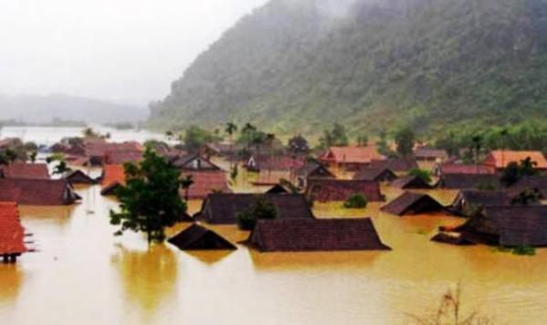 Miền Trung - nơi thường xuyên phải hứng chịu những trận lũ, bão.