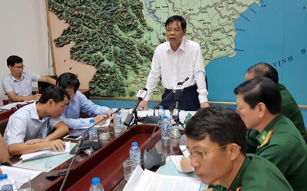 Bộ trưởng Nguyễn Xuân Cường chủ trì cuộc họp chống bão số 10
