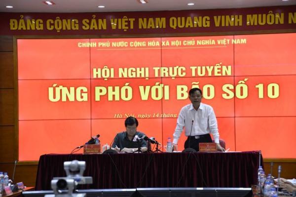 Bộ trưởng Nguyễn Xuân Cường đề nghị các địa phương ảnh hưởng của cơn bão số 10 khẩn trương ứng phó, chủ động, không để thiệt hại về người, tài sản.