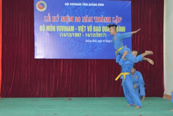 Màn biểu diễn của môn sinh Vovinam tại lễ kỷ niệm 20 năm ngày thành lập bộ môn Vovinam - Việt võ đạo tạo Quảng Bình