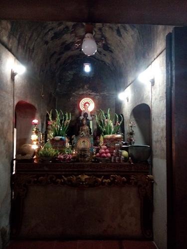 Bên trong ngôi chùa cổ Quan Âm (huyện Bố Trạch)