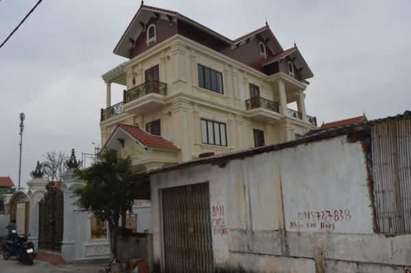 Căn biệt thự 3 tầng trị giá hơn 7 tỷ đồng của anh Nguyễn Công Hoan đang được hoàn thiện