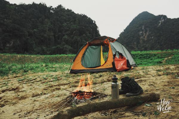 Chúng tôi đã có một buổi sáng thật đẹp ở nơi cắm trại. Sau khi nghỉ ngơi ngắm cảnh, chúng tôi sẽ lên đường để chèo thuyền và tham quan hang Ken - hang dài nhất trong hệ thống hang Tú Làn.