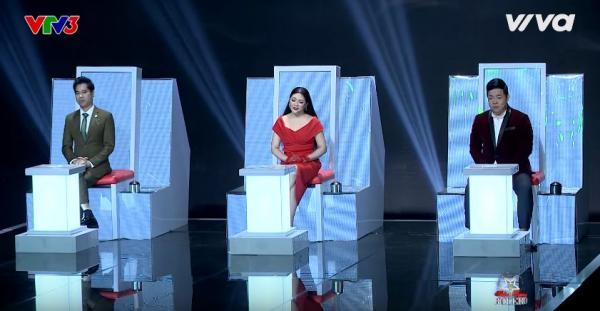 Giọng hát của Thanh Lan đã chạm đến cảm xúc của các huấn luyện viên.