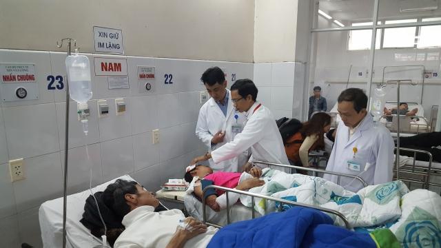 Các hành khách bị thương được điều trị tại Bệnh viện Đà Nẵng