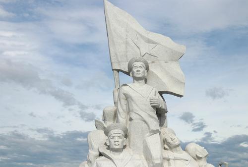 Cụm tượng đài các chiến sĩ Gạc Ma ở khu tưởng niệm tại Khánh Hòa. Ảnh: Xuân Ngọc