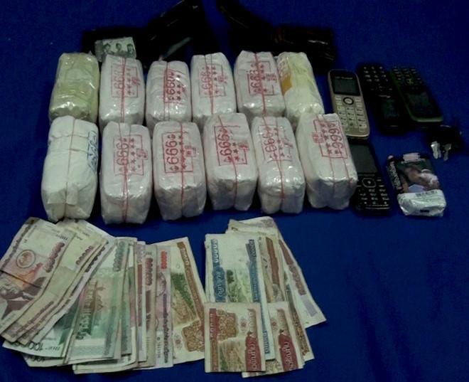 24.000 viên ma túy tổng hợp được bao bọc cẩn thận. Ảnh: BĐBP Quảng Bình cung cấp.