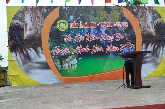 Đồng chí Bùi Anh Tuấn, Chủ tịch UBND huyện Minh Hóa phát biểu khai mạc tuần lễ