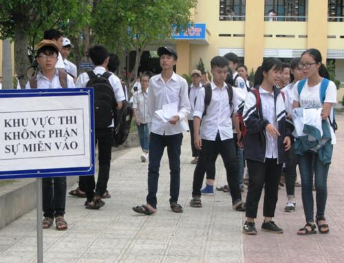 Thí sinh thi vào trường THPT chuyên Võ Nguyên Giáp