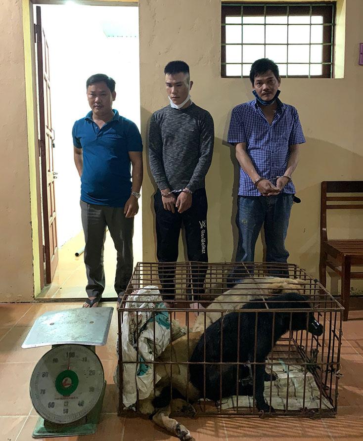 Các đối tượng có liên quan trong vụ việc trộm chó và tiêu thụ chó gây bức xúc tại địa bàn