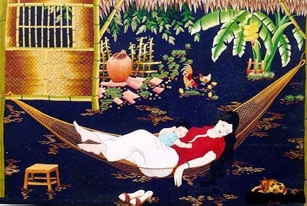 Hình ảnh người mẹ ru con bên cánh võng đã in đậm trong tâm hồn bao thế hệ người Việt.