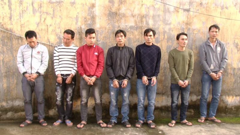 Nhóm đối tượng tại huyện Duy Xuyên bị bắt tạm giam. Ảnh: M.T