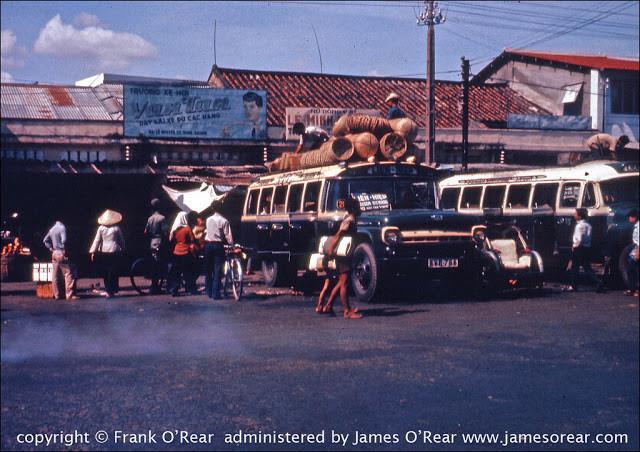 Bến xe khách trên đường Nguyễn Cư Trinh của Sài Gòn. Ảnh tư liệu.