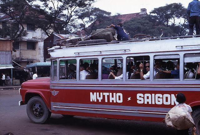 Mỹ Tho - Sài Gòn là tuyến đường xe khách liên tỉnh bận rộn bậc nhất ở miền Nam thập niên 1960. Ảnh tư liệu.