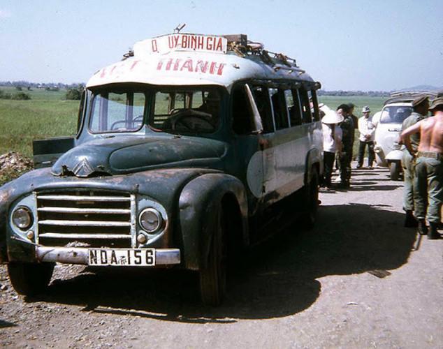 Một chiếc xe buýt