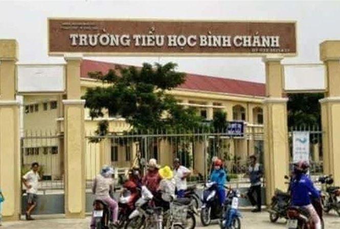 Trường Tiểu học Bình Chánh (xã Nhựt Chánh, huyện Bến Lức, tỉnh Long An) nơi xảy ra sự việc cô giáo quỳ gối xin lỗi phụ huynh học sinh gây xôn xao dư luận.