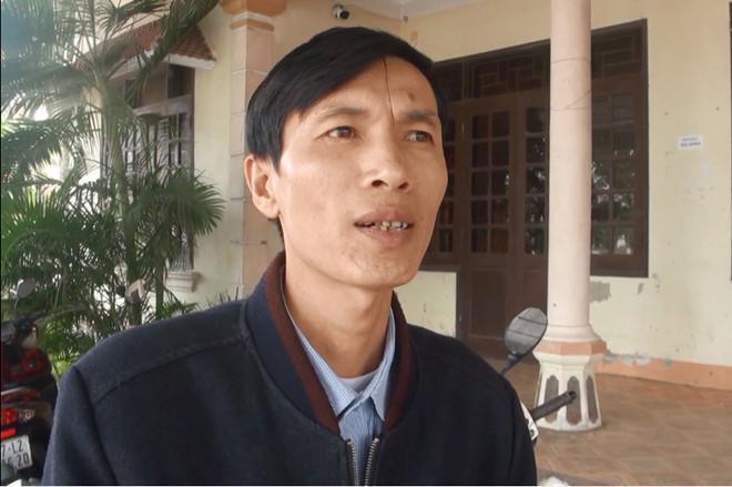 Thầy Nguyễn Cảnh Ban trao đổi với phóng viên. Ảnh: P.H.