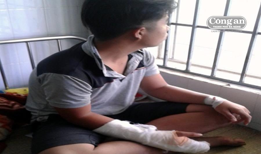 Em Hiếu đang điều trị tại bệnh viện.
