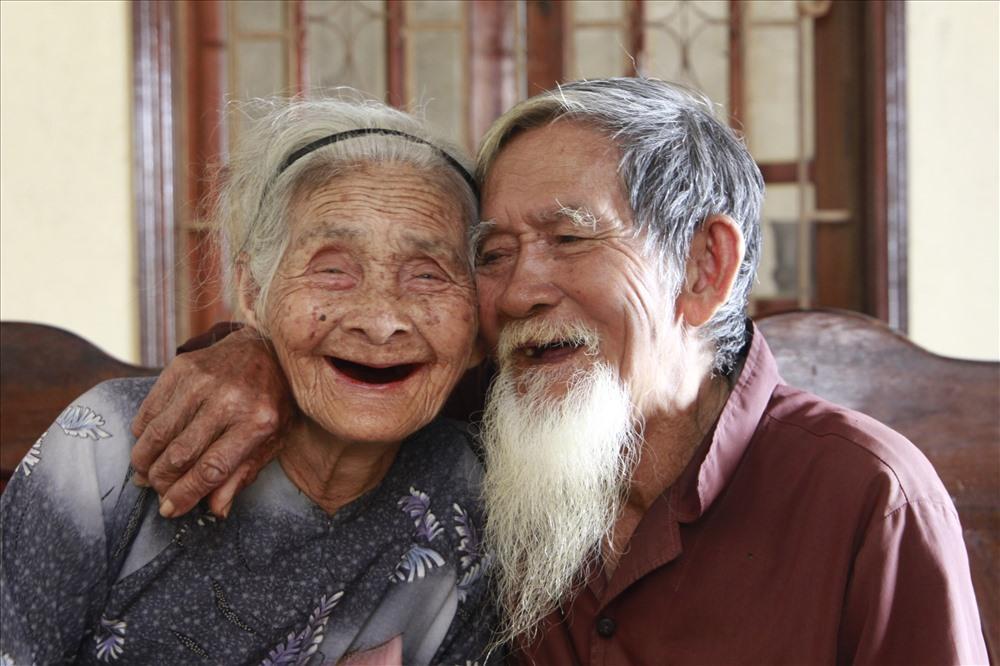 Ở bên nhau đến cuối cuộc đời.