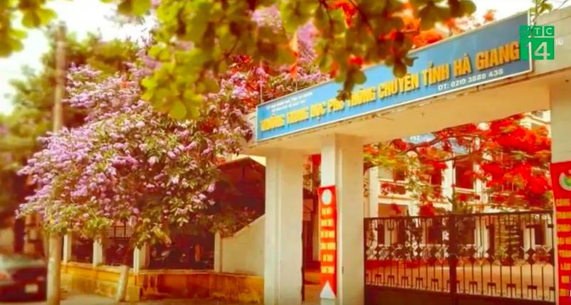 Trường THPT Chuyên Hà Giang nơi có nhiều học sinh đạt điểm thi THPT cao. Ảnh cắt từ clip