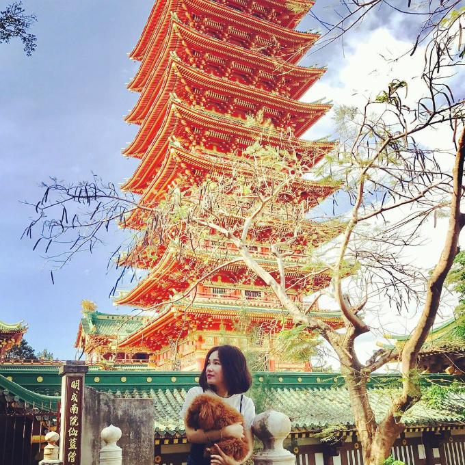 Bảo tháp 9 tầng sơn đỏ mang đặc trưng của các ngôi chùa Nhật Bản. Ảnh: khanhha-tran89