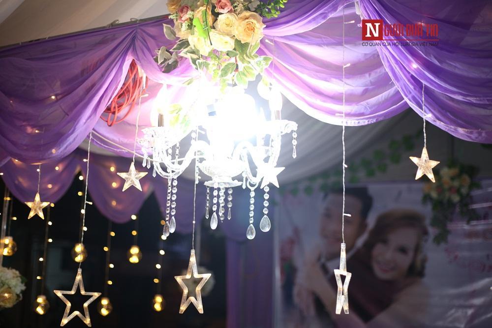 Phông rạp đám cưới lung linh về đêm.