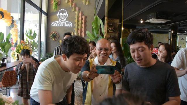 Trường Giang và Trấn Thành tới dự lễ khai trương quán cà phê của Color Man