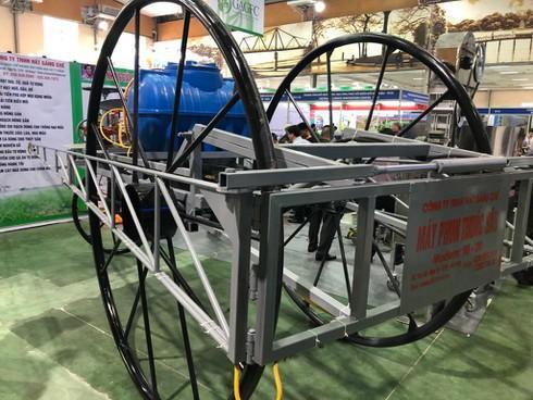 Máy phun thuốc trừ sâu đã xuất khẩu đi 5 nước, giá bán chiếc máy này là 80 triệu đồng