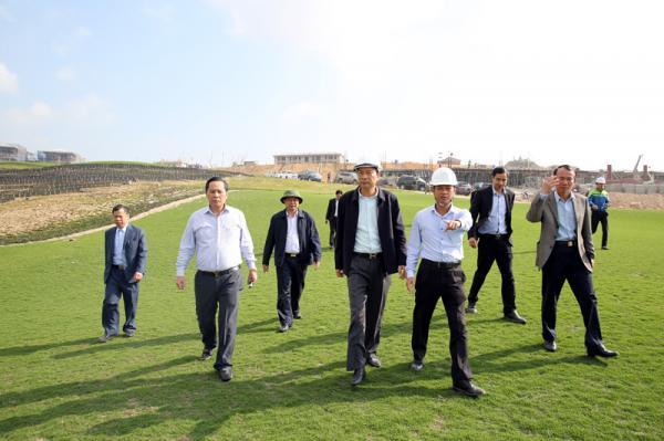 Bí thư Tỉnh ủy Nguyễn Văn Đọc kiểm tra tiến độ thực hiện dự án Sân golf Ngôi sao Hạ Long.