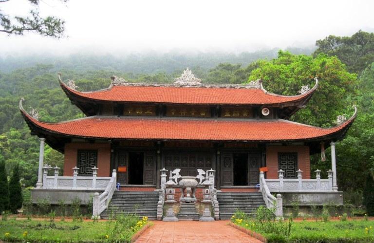 Cận cảnh ngôi chùa cổ Lôi Âm linh thiêng