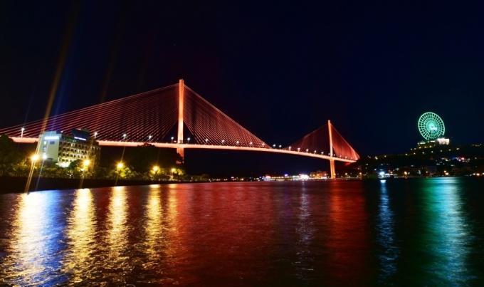 Cầu Bãi Cháy Hạ Long